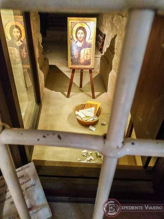 La Cueva de la Enseñanza en la iglesia del Pater Noster