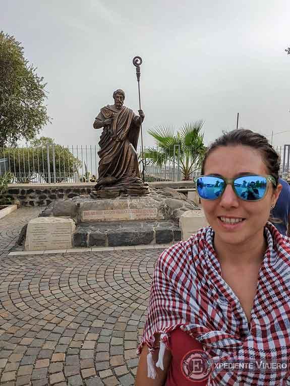 Estatua de San Pedro en el Mar de Galilea (Cafarnaúm)