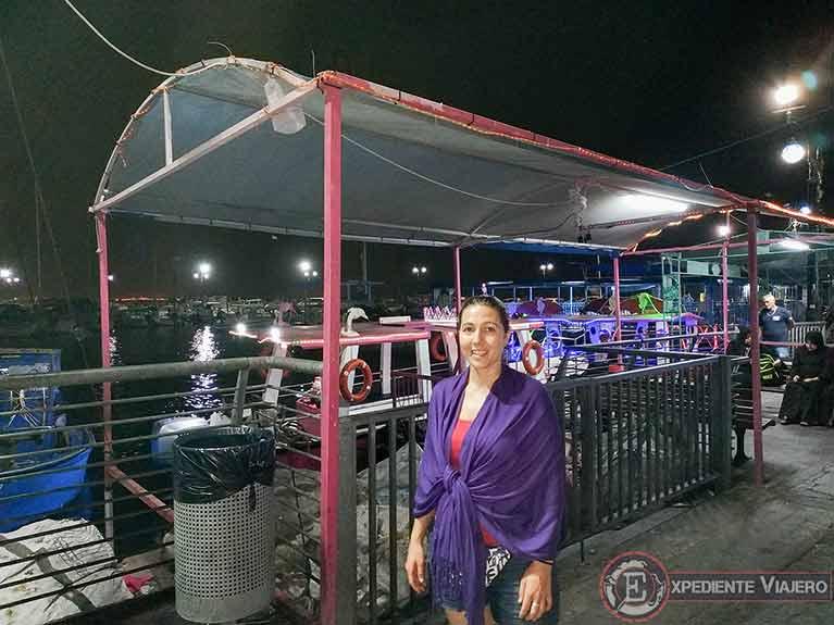 Puerto de Acre de noche