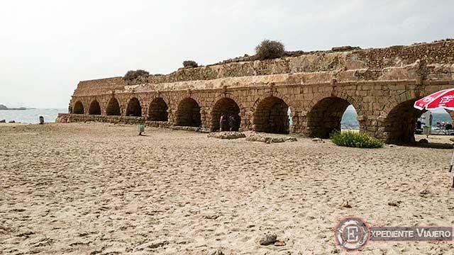 Qué ver en Cesarea: Acueducto romano