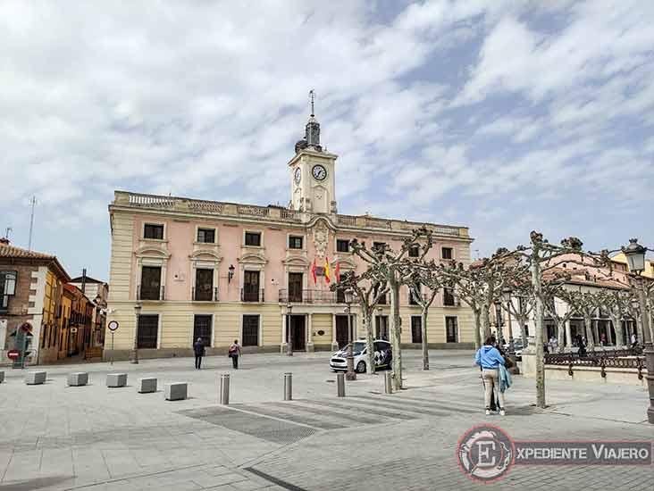Ayuntamiento en la Plaza Cervantes de Alcalá de Henares
