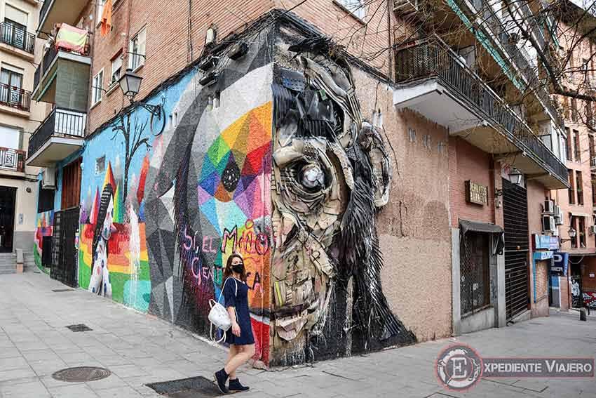 Descubre los murales de arte urbano en Madrid centro y alrededores: Estrella de Okuda