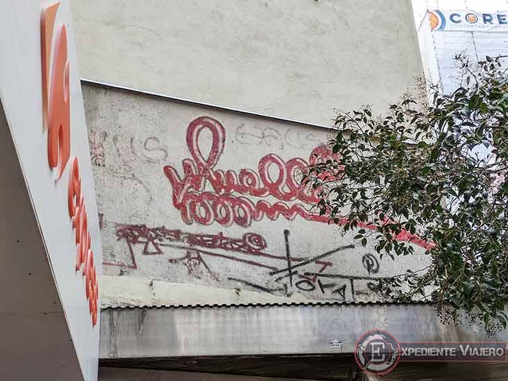 Descubre los murales de arte urbano en Madrid centro y alrededores: Firma de Muelle