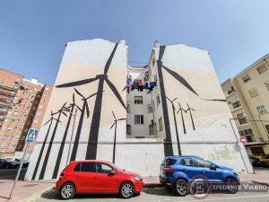 Los grafitis del Quijote en las fachadas de Alcalá de Henares