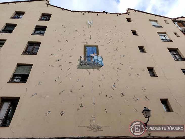 Descubre los murales de arte urbano en Madrid centro y alrededores: Reloj de Sol