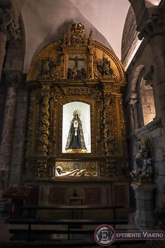 Retablo con María y Jesús al visitar la Catedral de Tui
