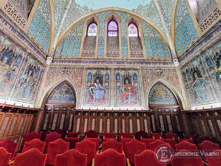 Salón de los Reyes del  Palacio de Laredo
