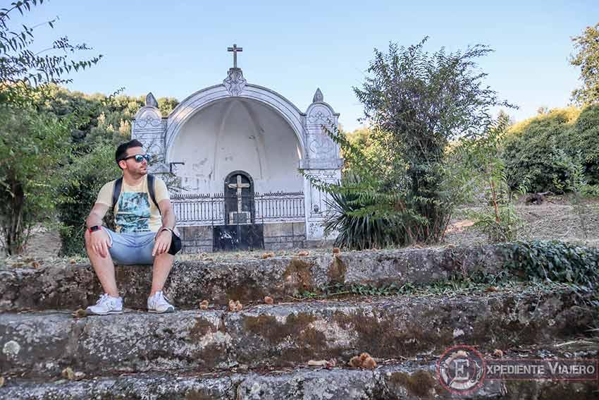 Capilla de Santa Cruz en el Monte da Picaraña (Ponteareas)