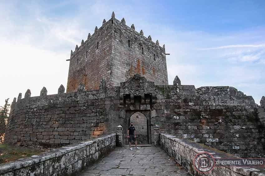 Visitar el Castillo de Soutomaior y sus jardines: Entrada del castillo