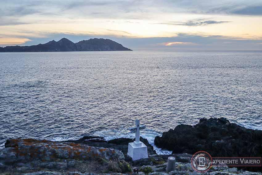Cruz en Punta Robaleira de Cabo Home