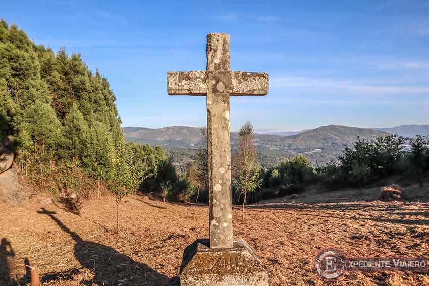 Cruz en el Monte da Picaraña (Ponteareas)