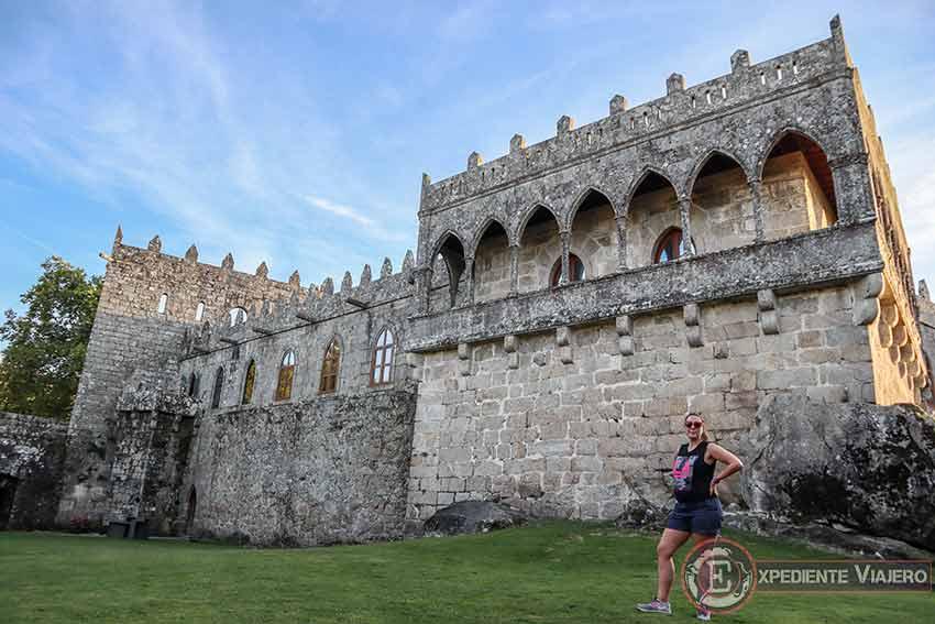 Visitar el Castillo de Soutomaior y sus jardines: Patio de Armas y Galería de Damas