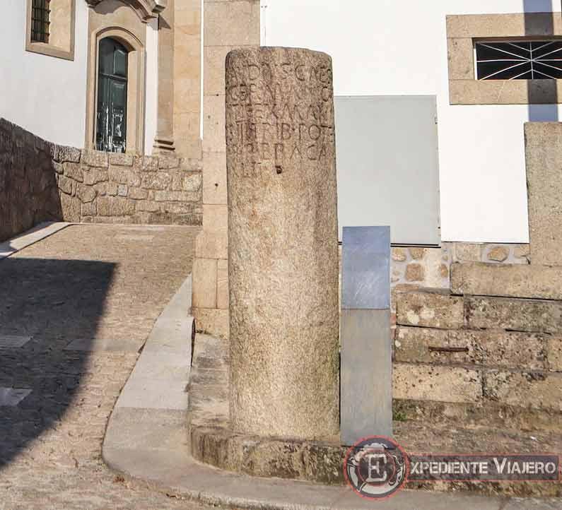Visitar la Fortaleza de Valença do Miño: Marco Miliário Romano
