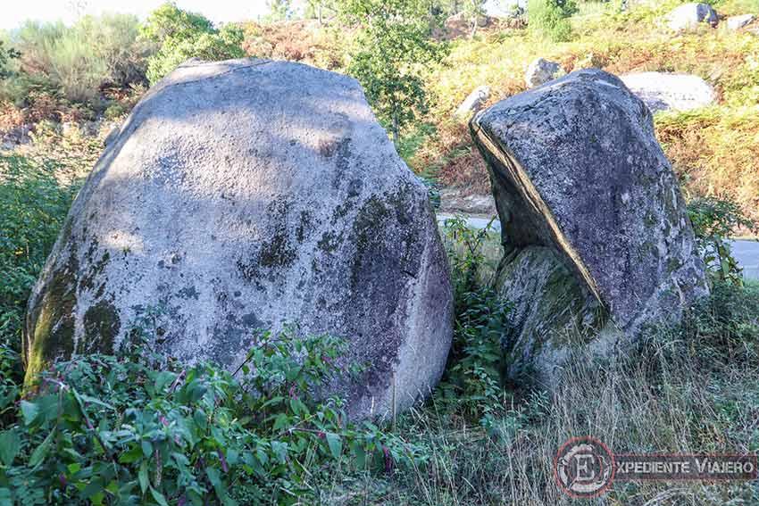 Penedo do Monxe en el Monte da Picaraña (Ponteareas)