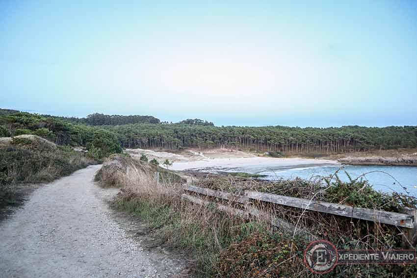 Qué ruta hacer en Cabo Home: Playa de Melide