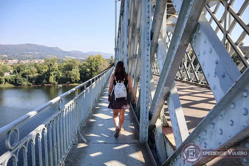 Cruzando el Puente de Tui con Portugal