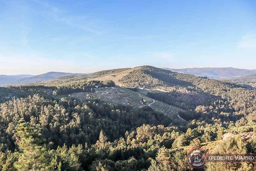 Vistas desde lo alto de la cima del Monte da Picaraña (Ponteareas)