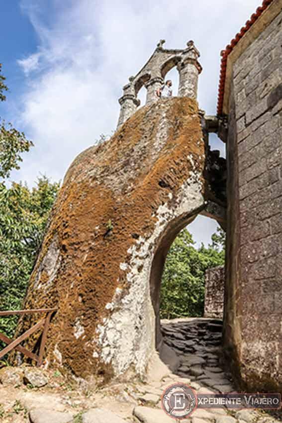 Campanario del Monasterio de San Pedro de Rocas