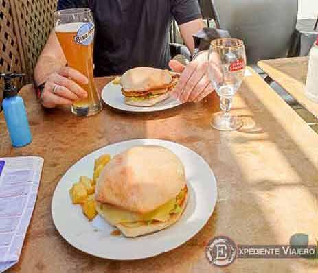 Comer en una terraza de Toledo (Covid free!)