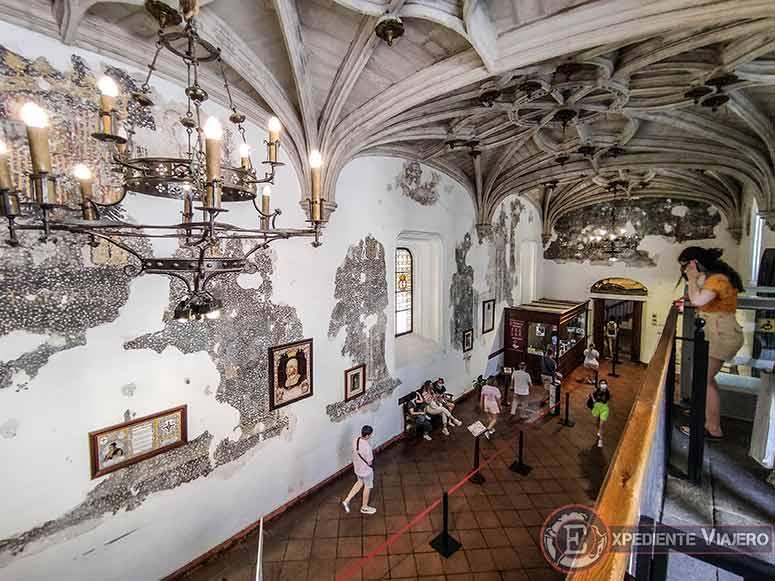 Entrada al Monasterio de San Juan de los Reyes en Toledo