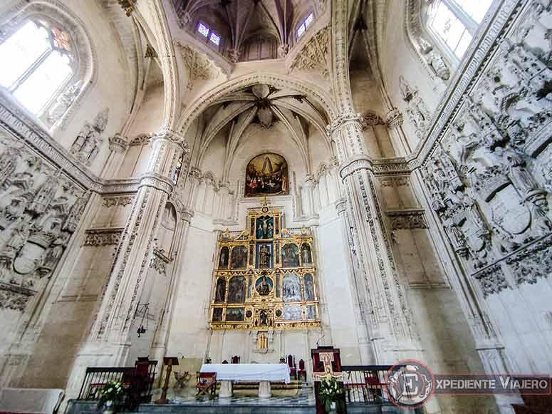 Altar de la iglesia del Monasterio de San Juan de los Reyes
