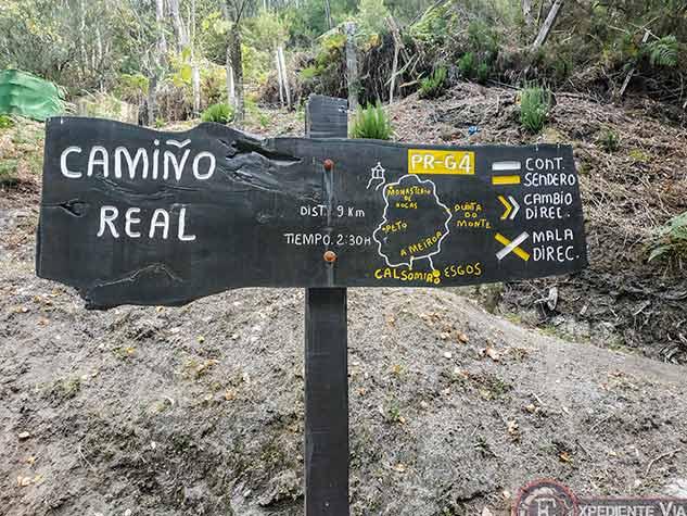 Letrero señalizando el Camiño Real