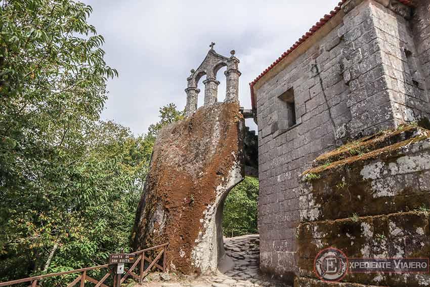 Ruta de un día en coche por la Ribeira Sacra: Monasterio de San Pedro de Rocas