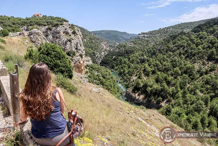 Sendero para llegar al Ventano del Diablo (Cuenca)