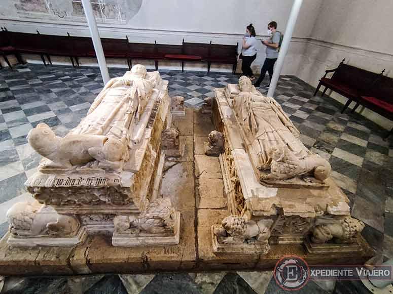 Sepulcros en la Capilla de San Blas de Toledo