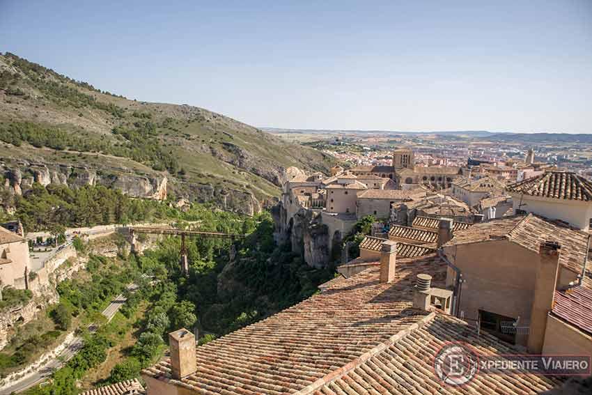 Vistas desde lo alto del campanario de la Iglesia de San Pedro en Cuenca
